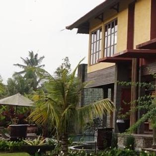 The Villa. This is where classes happen.